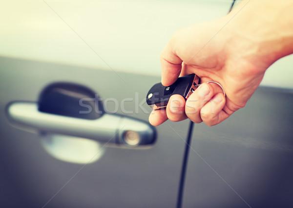 человека ключи от машины за пределами транспорт собственность автомобилей Сток-фото © dolgachov