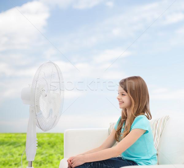 Stock fotó: Mosolyog · kislány · nagy · ventillátor · otthon · nyár