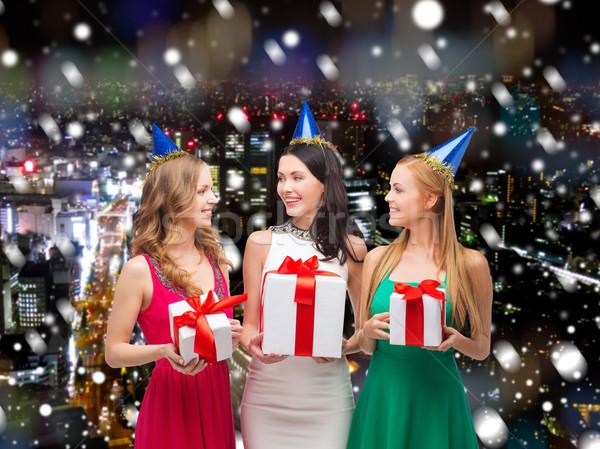 Stok fotoğraf: Gülen · kadın · parti · hediye · kutuları · hediyeler · tatil