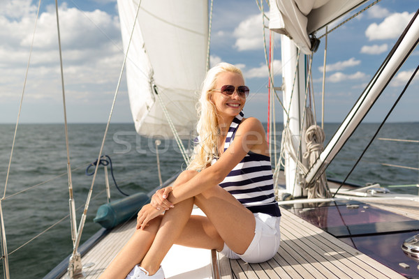 Сток-фото: улыбаясь · сидят · яхта · палуба · отпуск