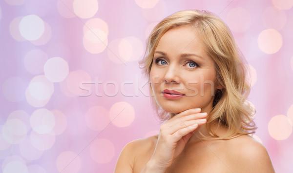 женщину голый Плечи прикасаться лице красоту Сток-фото © dolgachov