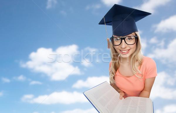 Estudante mulher enciclopédia pessoas educação conhecimento Foto stock © dolgachov