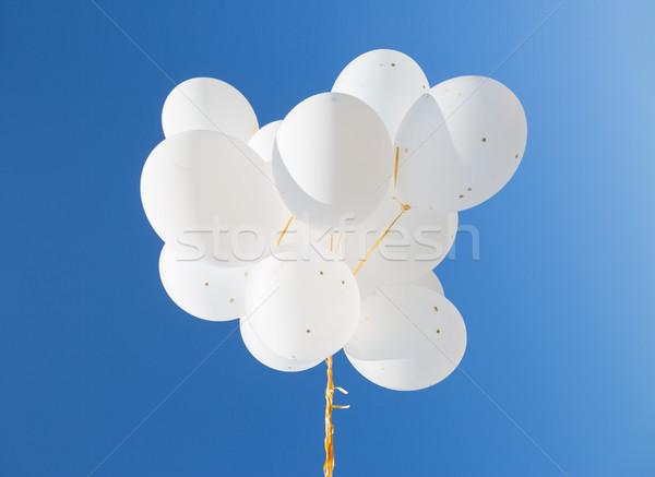 Branco hélio balões blue sky férias Foto stock © dolgachov