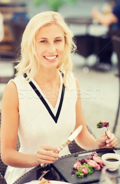 Сток-фото: счастливым · женщину · еды · обеда · ресторан · терраса