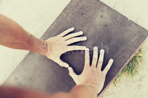 человека рук скамейке улице Сток-фото © dolgachov