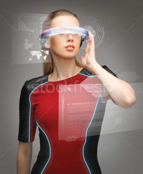 Kobieta futurystyczny okulary zdjęcie piękna kobieta robot Zdjęcia stock © dolgachov