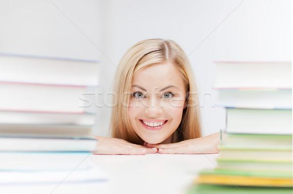öğrenci kitaplar resim gülen kadın Stok fotoğraf © dolgachov
