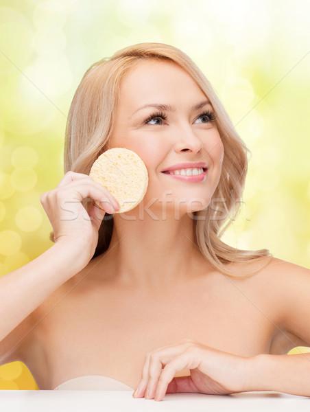 Gyönyörű nő szivacs egészség szépségszalon lány boldog Stock fotó © dolgachov