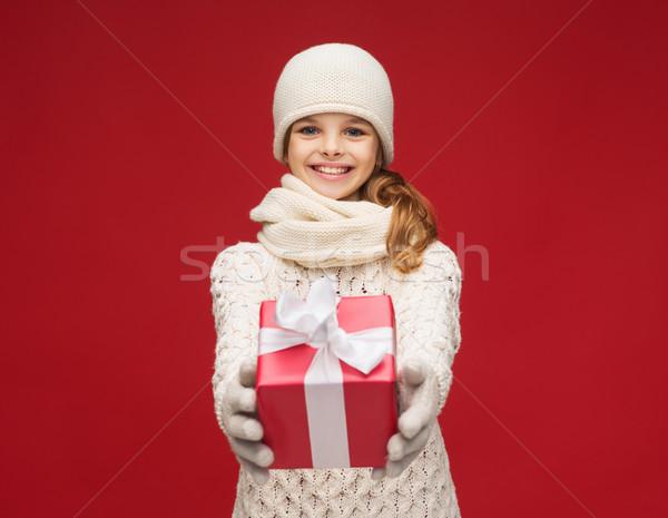 少女 帽子 マフラー 手袋 ギフトボックス クリスマス ストックフォト © dolgachov