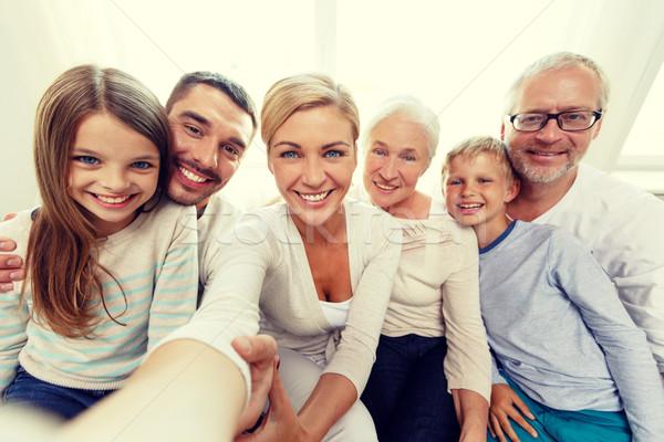 Gelukkig gezin home familie geluk generatie Stockfoto © dolgachov