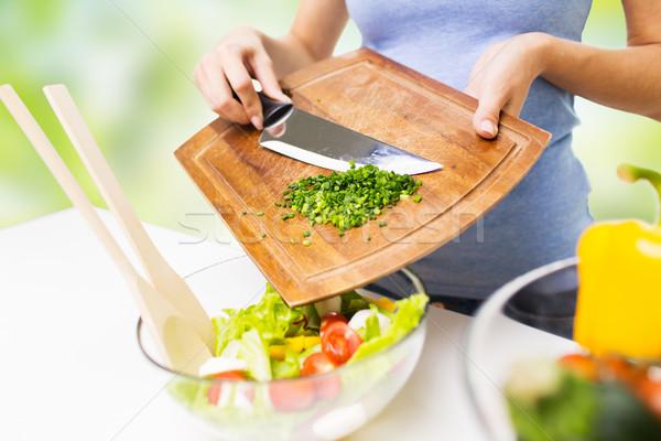 женщину рубленый лука приготовления Салат Сток-фото © dolgachov