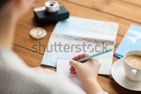Stockfoto: Reiziger · handen · notepad · potlood · vakantie