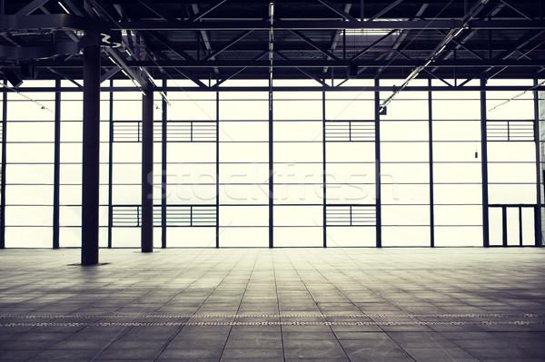 Nowoczesne pusty pokaż pokój architektury budowy Zdjęcia stock © dolgachov