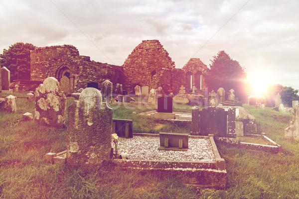Starych celtic cmentarz cmentarz Irlandia starożytnych Zdjęcia stock © dolgachov