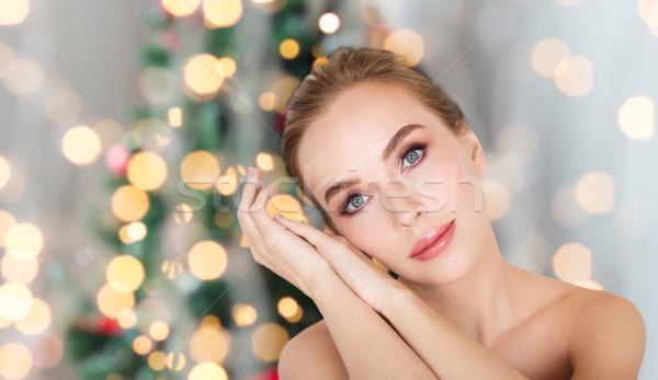 Schöne Frau Gesicht Weihnachten Lichter Schönheit Menschen Stock foto © dolgachov