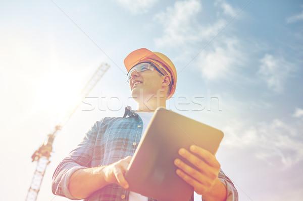 Stock fotó: építész · munkavédelmi · sisak · táblagép · építkezés · üzlet · épület