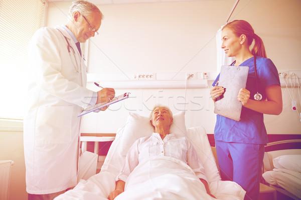 医師 看護 シニア 女性 病院 薬 ストックフォト © dolgachov