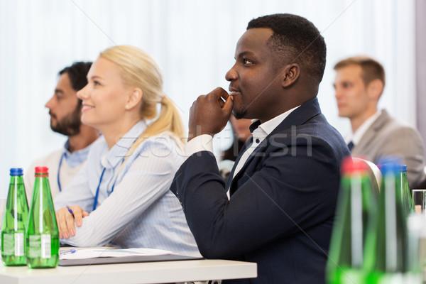Boldog üzleti csapat nemzetközi konferencia üzlet oktatás Stock fotó © dolgachov
