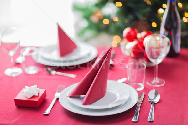 Zimmer Weihnachtsbaum dekoriert Tabelle Feiertage Feier Stock foto © dolgachov