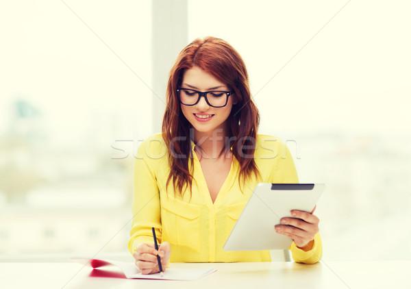 Diák táblagép számítógép notebook üzlet oktatás Stock fotó © dolgachov
