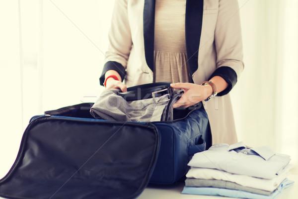 Kobieta formalny mężczyzna ubrania podróży Zdjęcia stock © dolgachov