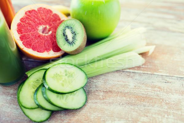 Stock fotó: Közelkép · érett · gyümölcsök · zöldségek · asztal · diéta