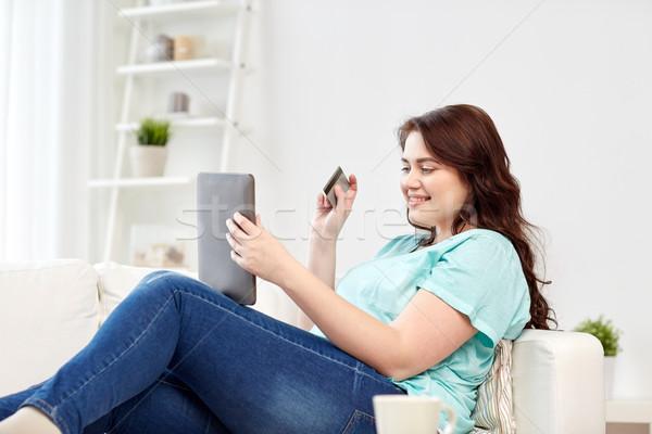 Plus size kobieta karty kredytowej ludzi Internetu Zdjęcia stock © dolgachov