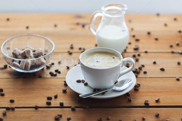 Koffiekopje houten tafel cafeïne objecten Stockfoto © dolgachov