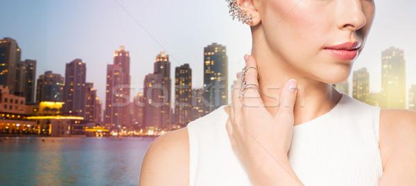 Bella donna anello orecchino glamour bellezza Foto d'archivio © dolgachov