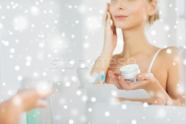 Vrouw badkamer schoonheid Stockfoto © dolgachov