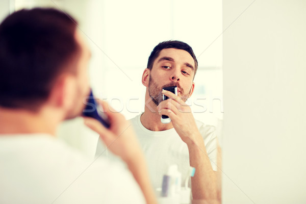 Férfi bajusz körülvágó fürdőszoba szépség higiénia Stock fotó © dolgachov