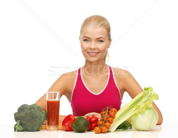 Mujer alimentos orgánicos Foto nina feliz Foto stock © dolgachov