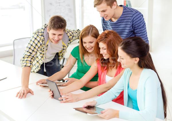 Сток-фото: улыбаясь · студентов · школы · образование · технологий