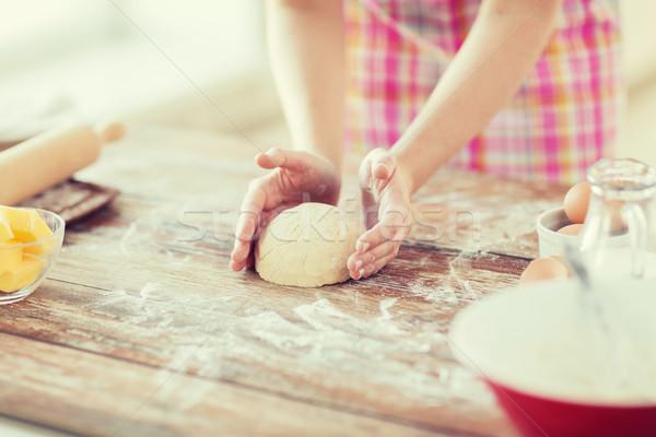 Közelkép női kezek dagasztás otthoni főzés otthon Stock fotó © dolgachov