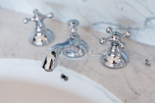 Bad tik kraan badkamer sanitair Stockfoto © dolgachov