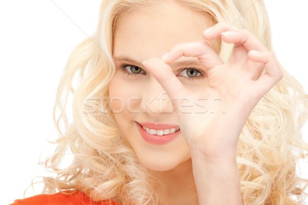 Foto stock: Mujer · mirando · agujero · dedos · Foto · mano
