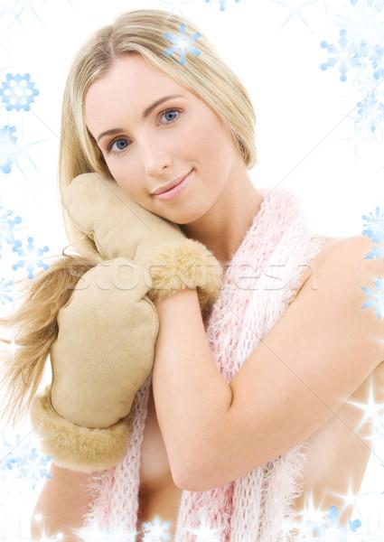 Ujjatlan kesztyűk kép nő pléd fehér boldog Stock fotó © dolgachov