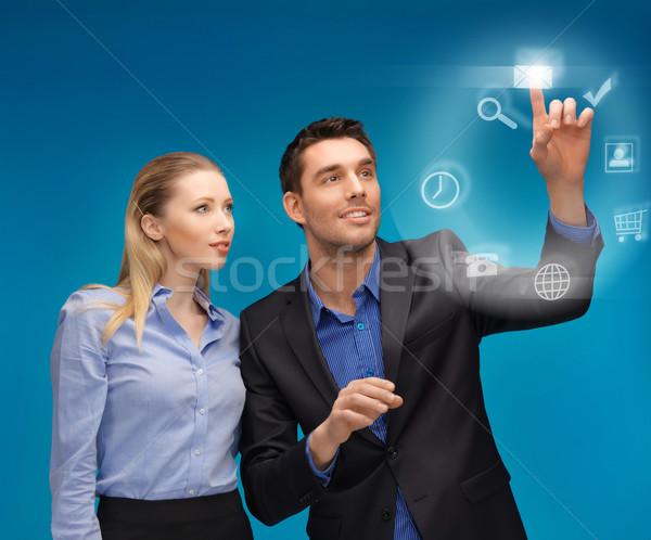 Man vrouw werken virtueel scherm foto Stockfoto © dolgachov