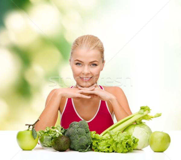 Gülen kadın organik gıda gıda sağlık Stok fotoğraf © dolgachov