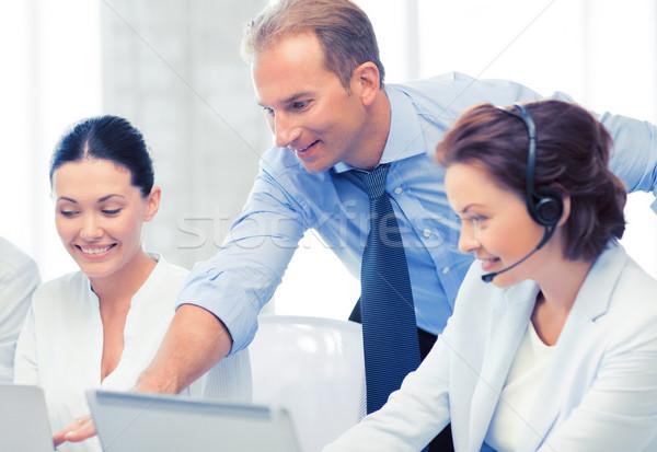 Csoportkép dolgozik ügyfélszolgálat kép iroda üzlet Stock fotó © dolgachov