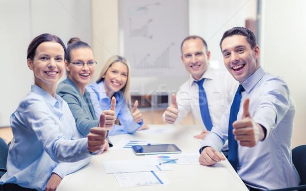 üzleti csapat mutat remek iroda üzlet siker Stock fotó © dolgachov