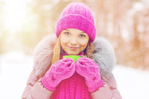Stok fotoğraf: Gülen · genç · kadın · fincan · kış · orman · sezon