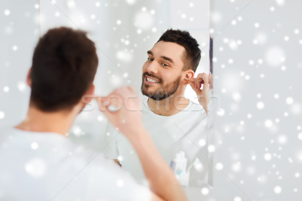 Adam temizlik kulak pamuk banyo güzellik Stok fotoğraf © dolgachov