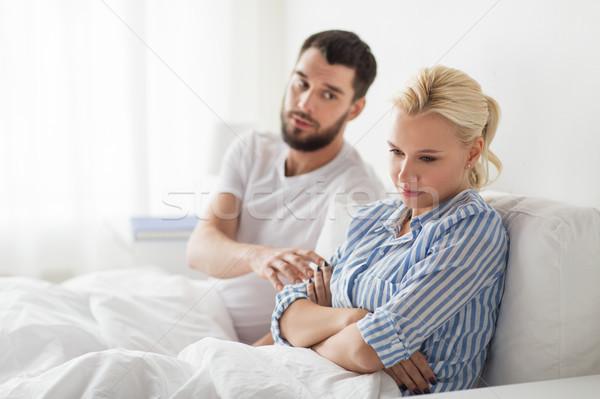 Сток-фото: несчастный · пару · конфликт · кровать · домой · люди