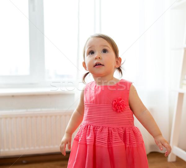 Boldog kislány ruha otthon gyermekkor emberek Stock fotó © dolgachov