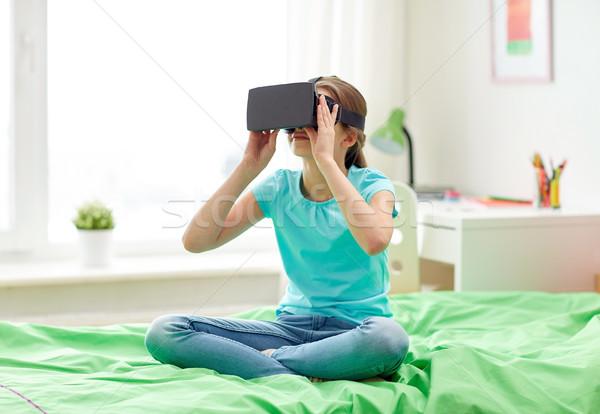 Happy girl zestawu okulary 3d domu technologii rzeczywistość Zdjęcia stock © dolgachov