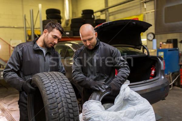 Zdjęcia stock: Auto · mechanika · samochodu · opony · warsztaty · usługi