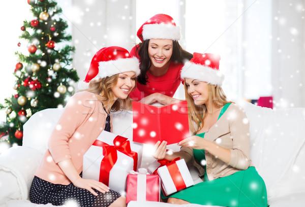 Vrouwen helper hoeden kaart geschenken Stockfoto © dolgachov