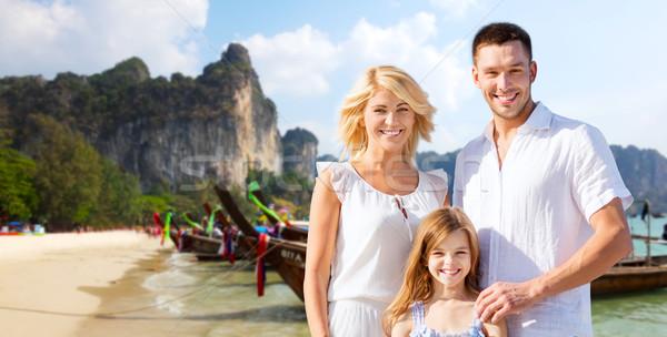 Família feliz Tailândia bali praia verão férias Foto stock © dolgachov