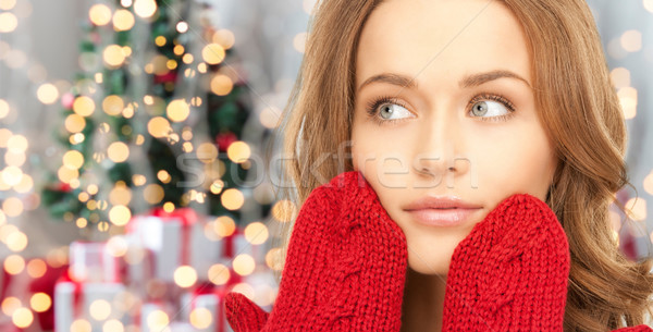 Gelukkig vrouw Rood wanten christmas lichten Stockfoto © dolgachov